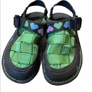 Chaco Size 1 Closed Toe Paradox Hearts Sandals